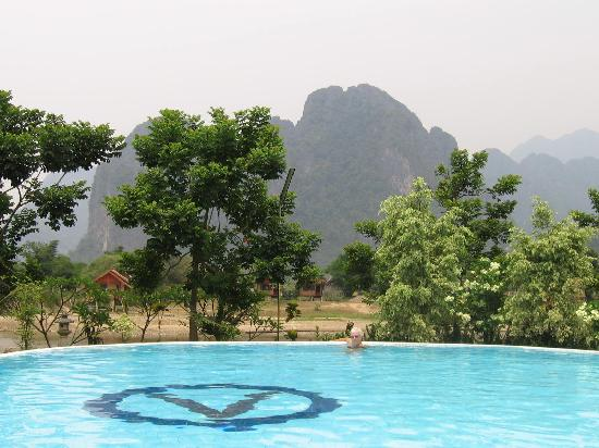 Vansana Vang Vieng Hotel: view from pool