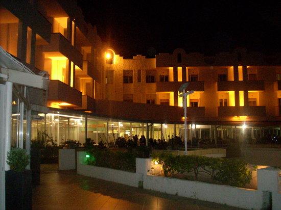 Fontane Bianche, Italia: di notte