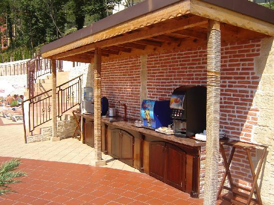 Grifid Hotels Club Hotel Bolero: Self service drink station...free all day