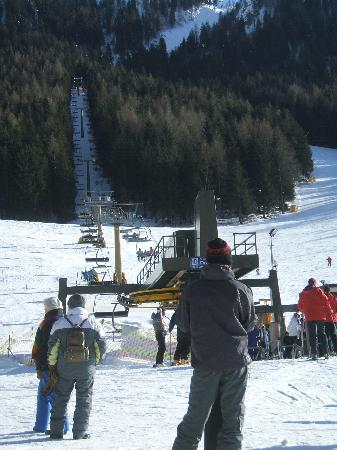 Hotel Prealpi : The chair lift to the blue run