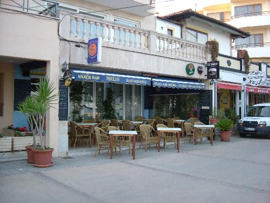 Hotel Levante: Melis bar, great views out to sea, ideal for pre diner drink