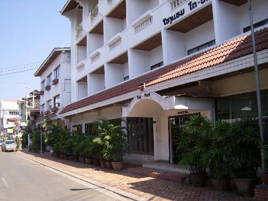 Best Western Vientiane Hotel: Tai Pan entrance