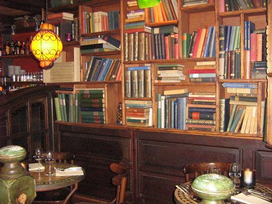 Van Hoeck : inside de3Vrienden - great for booklovers too!