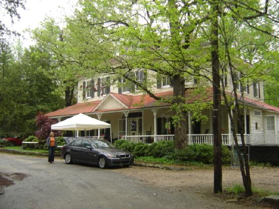 The Edgeworth Inn: Edgeworth Inn