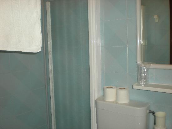 Hotel Canarie: il piccolo bagno