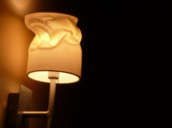 Ambra Hotel: melted hotel lamp