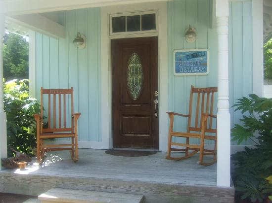 The Island Guesthouse & Cottages: Outside