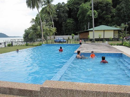 Fishing Bay Resort: The pool