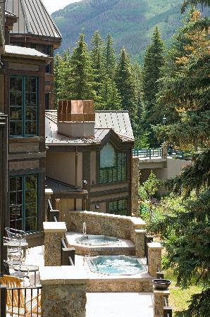 Vail Mountain Lodge: hot tubs