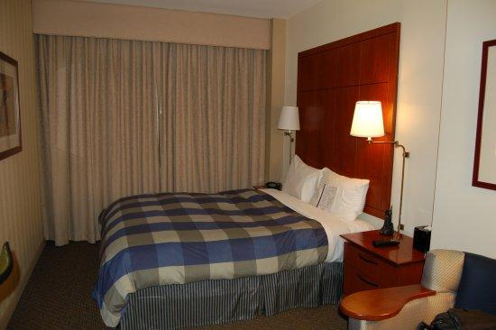 Club Quarters Hotel, Central Loop: Bed in Room
