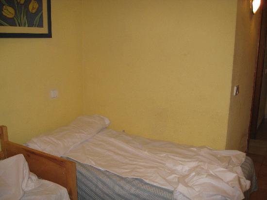 Aparthotel Playasol Mogambo: my bed