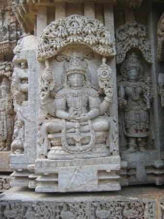 Somnathpur Temple: Meditating Vishnu