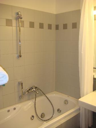 Hotel Alley Olomouc: Hotel Alley - bath room