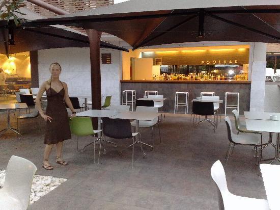 Magnolia Hotel: Pool bar