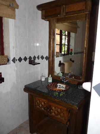 Zulani Guest House: la salle d'eau