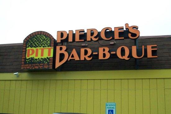 Pierce's Pitt Bar-B-Que: sign