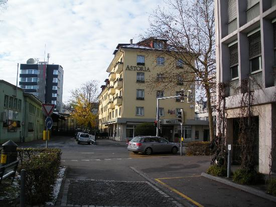 Hotel Ibis Styles Bern City : The hotel from outside
