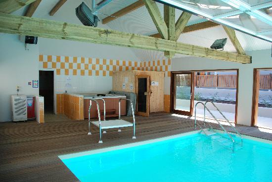 Les Balcons de la Neste: sauna piscine