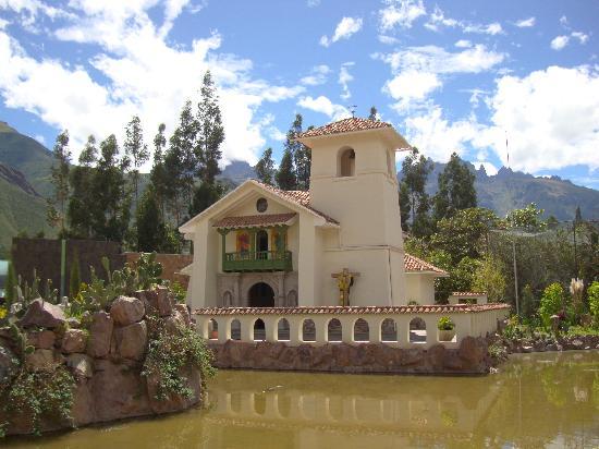 Aranwa Sacred Valley Hotel & Wellness: Church on premises