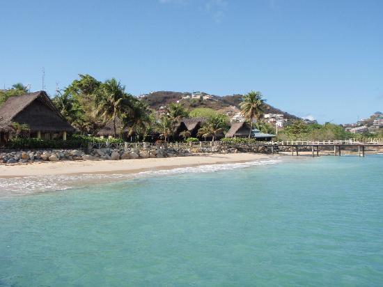 Tamarind Beach Hotel & Yacht Club: La spiaggia e il mare del Tamarind