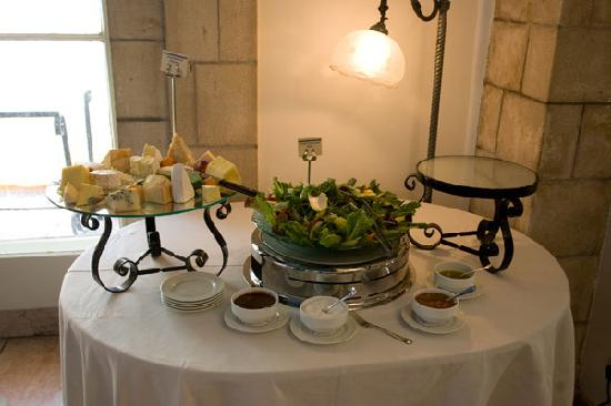 The Courtyard: Salads and cheese