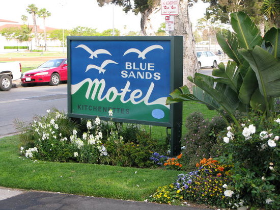 Blue Sands Motel: Entrance Sign