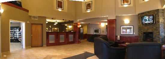 Lakeview Inns & Suites Fort Nelson: photographs in Lobby were outstanding