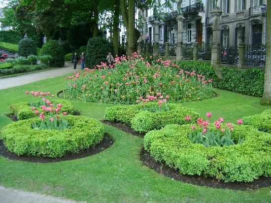 Place du Grand Sablon: il giardino della piazza