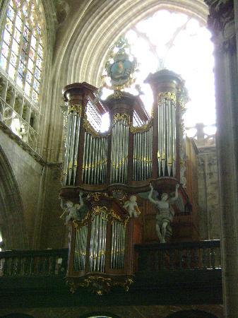 Place du Grand Sablon: particolare dell'interno della chiesa