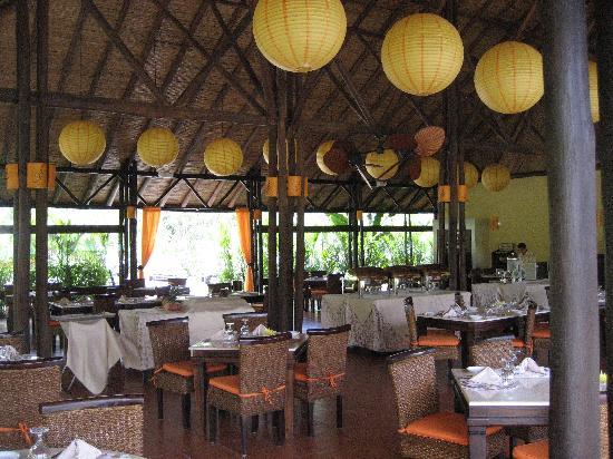 Nayara Resort Spa & Gardens: Outdoor restaurant