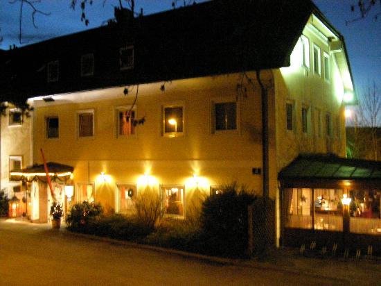 Austria Classic Hotel Hoelle : Hotel Exterior - with restaurant