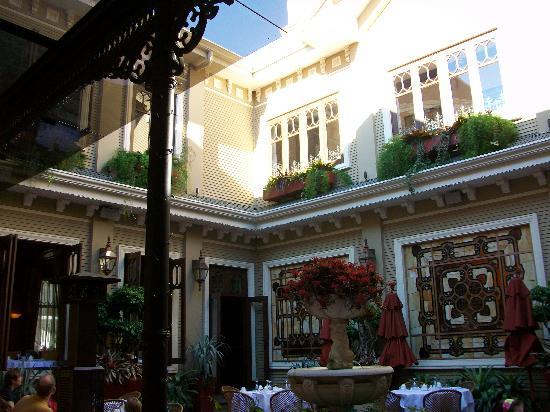 Hotel Grano de Oro San Jose: Restaurant Garden