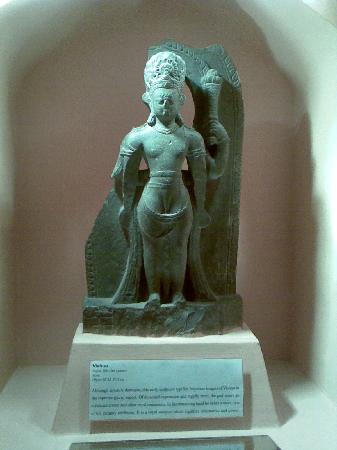 Patan (Lalitpur), Nepal: 9th century's Lord vishnu's statue