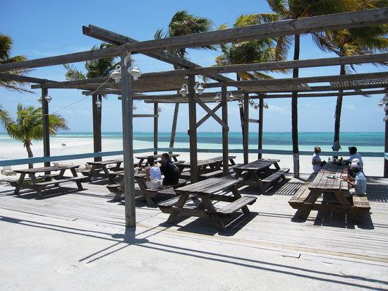 Banana Bay : View of veranda and beach