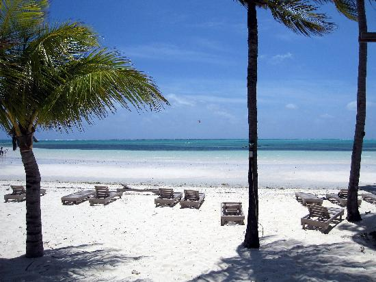 Banana Bay: View of beach