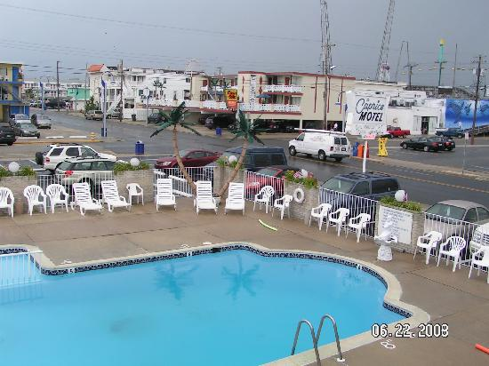 Caprice Motel: A view of the boards from our room