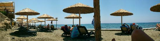 Atlantica Bay Hotel: Beach