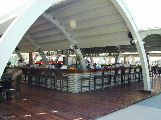 Susesi Luxury Resort: Pool Bar