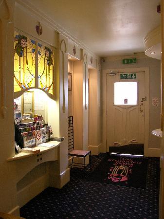 Rennie Mackintosh Art School Hotel: Reception Area