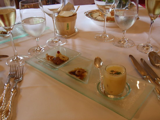 Waldhotel Sonnora Restaurant: One of the three apertizers!