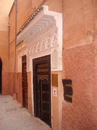 Riad Aguerzame: L'entrée du Riad