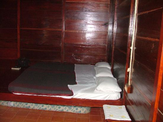 Periyar Bungalows : Another bedroom view.