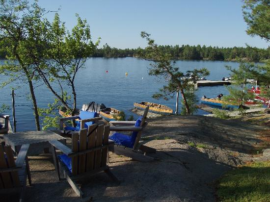 Chaudiere Lodge: French River from Shore