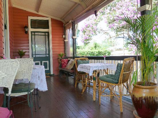 Maleny Lodge: The Verandah