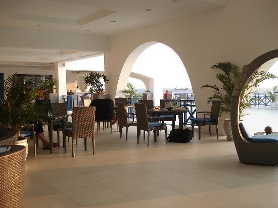 Thunderbird Resorts & Casinos - Poro Point: Lobby