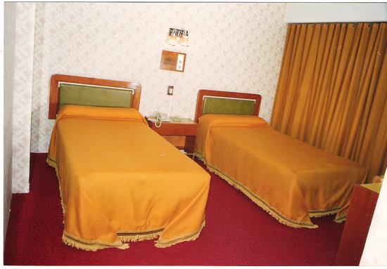 Libertador Hotel : Esta era la habitación en a que estuve la primer noche