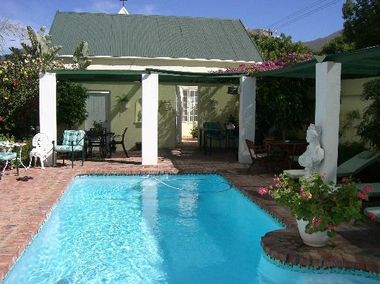 Kingna Lodge : Pool area