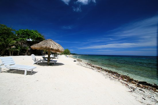 Utopia Village: Utila beach