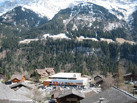 Hotel Suisse : view of Champery from our room on 4th floor