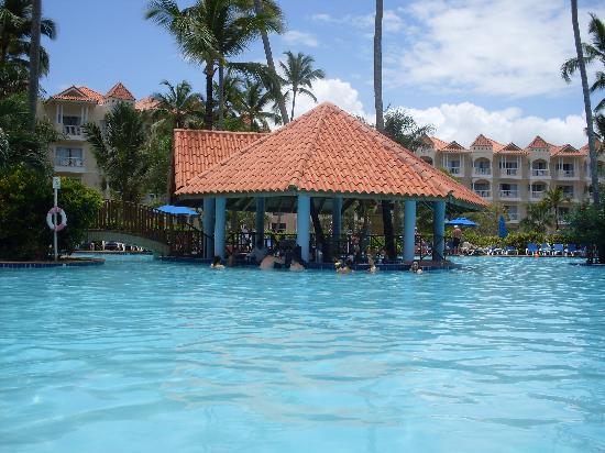 Barcelo Punta Cana: Le bar dans l'eau